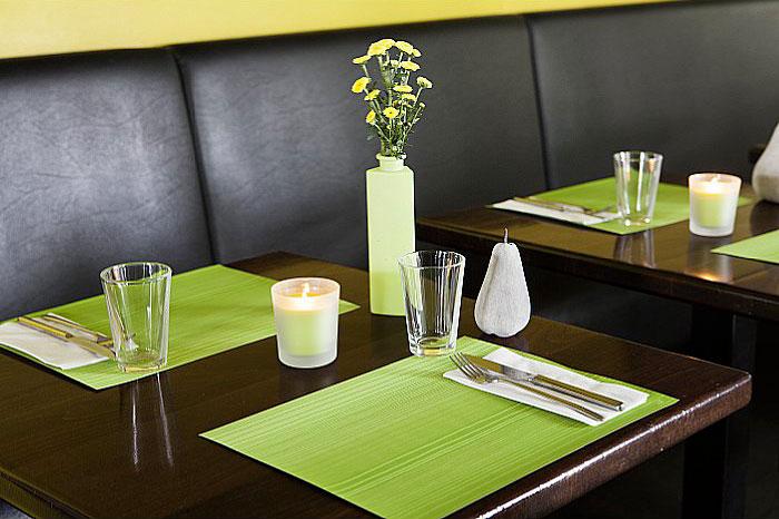 restourant table mats